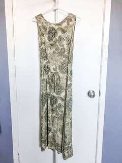 Maxi dress with paisley pattern