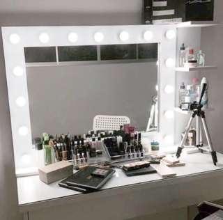 Preloved Vanity Mirror Set