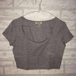 BERSHKA grey crop tee