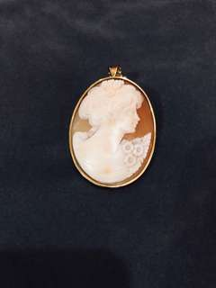 Authentic Cameo pendant/brooch