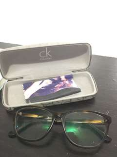 Kaca Mata Calvin Klein