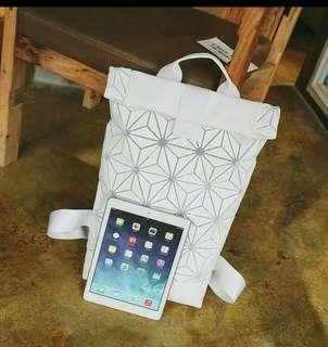 3Dgeometric patterns schoolbag for student