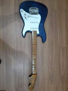 Fender stratocaster with Yamaha AR1500 Guitar Amplifier