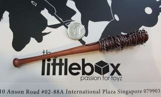 [NOT LIFE SIZE]  1/6 Scale Plastic bat with wood finish with wire  Baseball negan the walking dead