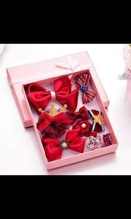 Girl's hair accessories (10pcs) in a box