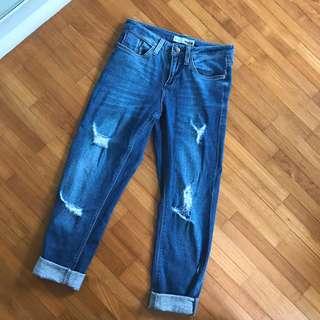 TOPSHOP: ripped boyfriend jeans!