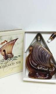 一帆風順,生意興隆。砂樽帆船干邑700ml連盒全套。