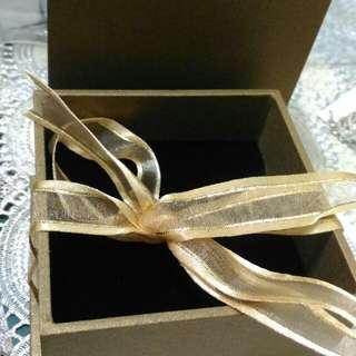 咖啡色飾品禮物盒9*9