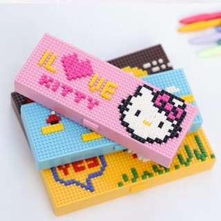 Free Shipping !! Hello Kitty Creative Puzzle Mini Blocks DIY Pencil Case