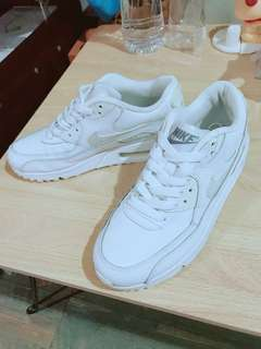 Nike air force 全白球鞋
