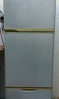Toshiba - 3 tier Old fridge