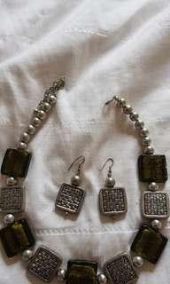 Brand new unworn necklace set
