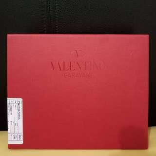 Box valentino