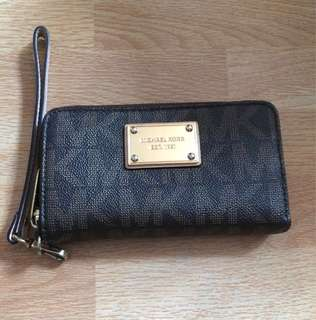 MICHAEL KORS wallet 💯authentic