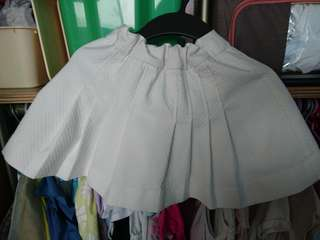Preloved white skirt