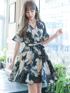 Casual: Summer Floral Tying Waist V-Neck Flouncing Dress (S / M / L / XL) - OA/MKD041562