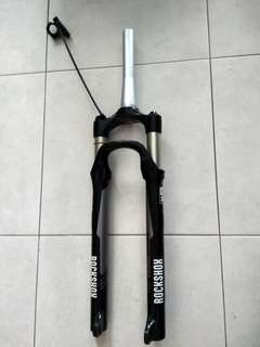 HELLO IM NOT SELLING THIS TAPERED ROCKSHOX REBA 29ER FORK. ONLY SWAP TO STRAIGHT STEERER..