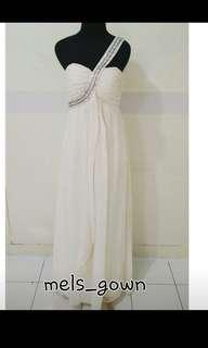Gaun malam BW