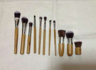Eco-Friendly Bamboo Makeup Brush Set of 10 with FREE Small Brush