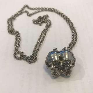 Alexander McQueen double skulls necklace