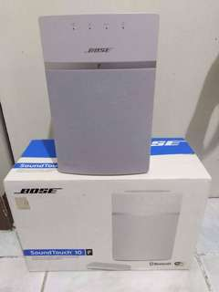Bose Sound Touch 10 Speaker with Remote AND JBL bluetooth headphone all in good condition (no issues)