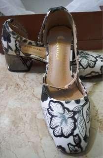 Block heels sandals (never worn)