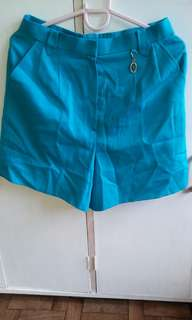 High waisted tapered shorts