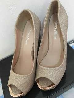 Sepatu Wedding Gold size 37