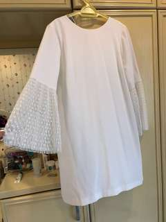 Zara white dress with lace sleeves