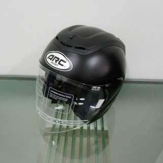 Arc helmet ritz