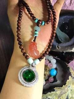 海南黃花梨108佛珠➕925鑲嵌幹青翡翠,配件天然綠松石和南紅,直徑6mm油性高,珠子完美無缺點的。批發價格拒絕❌議價哦