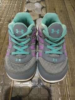 Original UnderArmour shoes (Girls)