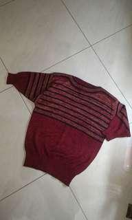 Sweater salur emas