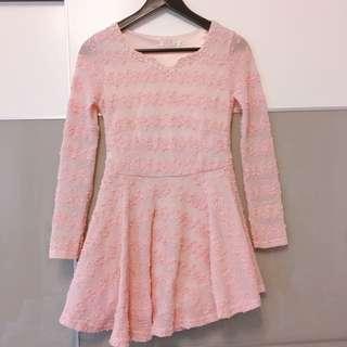 珍珠領粉色洋裝
