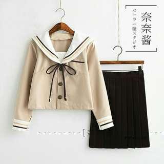 奶茶色水手服制服