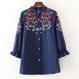 BN 🍀 Ready 🍀 Embroidery Shirt - Navy Flowery