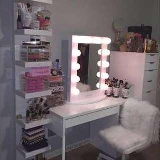 Complete Vanity table set