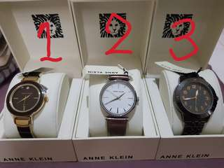 4Watch and 1wristlet
