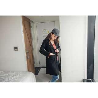 Knitted Coat in Black - BN