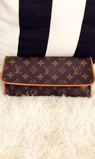 AUTHENTIC LV GM POCHETTE CAN NEGO