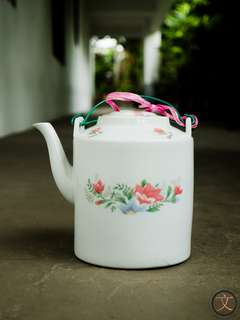 DC019 1970's chinese teapot