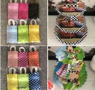 Paper bag, goodies bag packages, goodie bag carrier, door gift bag