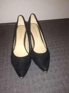 Portmans size 9 heels