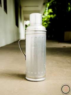 DC026 Vintage hot water thermos flask