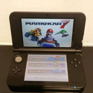 Nintendo 3DS XL With mario kart 7