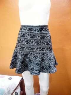 Floral pattern skirt(24-27)
