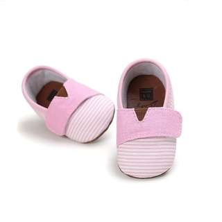 Lovely and Charming Classics Collection Baby Shoe, Pink