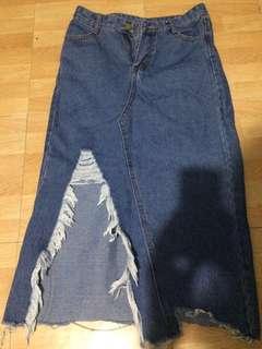 BANGKOK ripped denim skirt