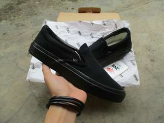 Vans Slip-On All Black (Waflee DT)