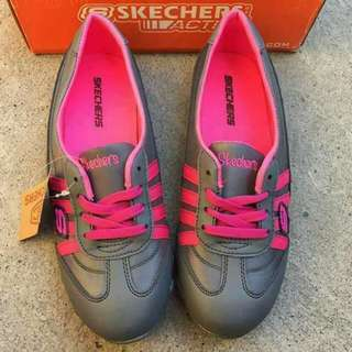 💋SKECHERS FOR LADY         36 TO 40 SIZE      600PHP.         #ST